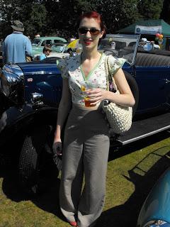 Village Festival, Classic Cars and Pop up Caravans!