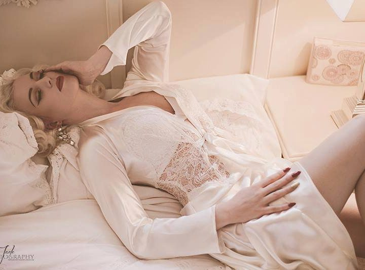 Wedding Wednesday: Bridal Robes
